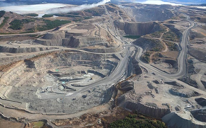A photo of a domestic industrial metal mine that's Defense Federal Acquisition Regulation Supplement (DFARS) compliant
